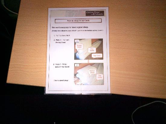 CentrePoint on Colombo Motel: Instructions on how to sleep in bed!
