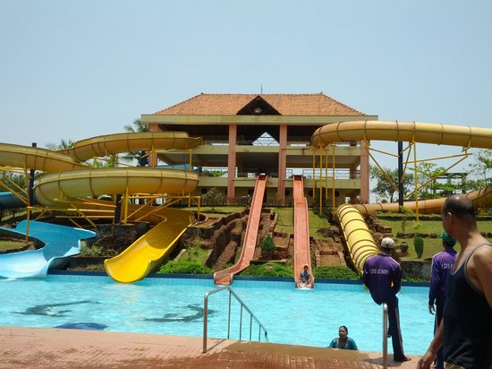 Mangalore, Hindistan: The water slides