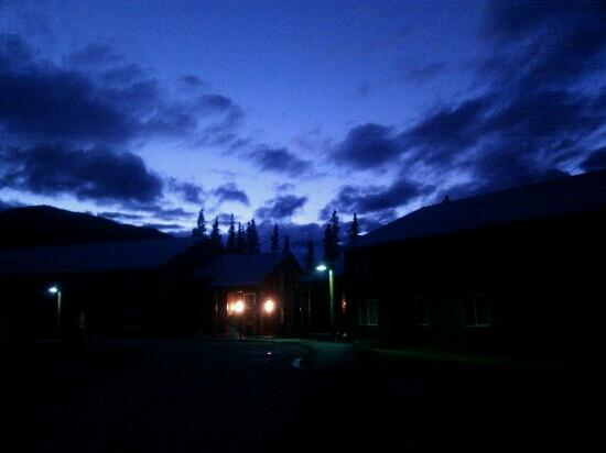 Denali Park Village: night