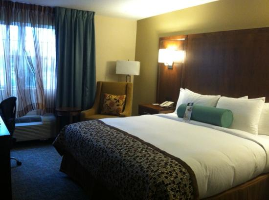 DoubleTree by Hilton Cape Cod - Hyannis: the bed