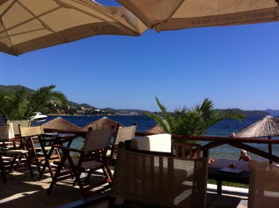 Plaza Skiathos Hotel: veiw from Kanapitsa cafe bar