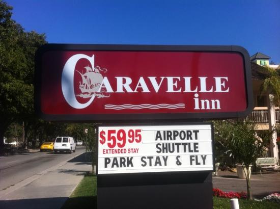 Caravelle Inn & Suites: insegna