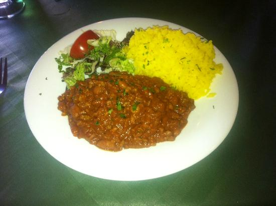 Zacatecas Tex Mex : Spicy chili con carne with rice & salad - excellent