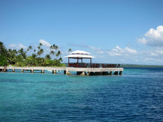 Wakatobi Dive Resort: Jetty, with bar at the end