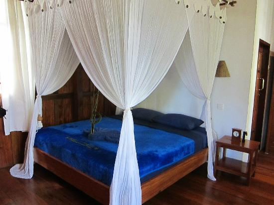 Wakatobi Dive Resort: Garden bungalow