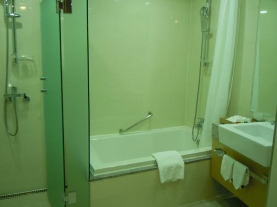 Stanford Hotel Seoul: スタンフォードホテルダブル浴室