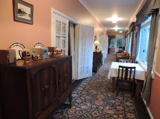 Larkwood of Lemon Tree B & B: Breakfast area and Sunroom