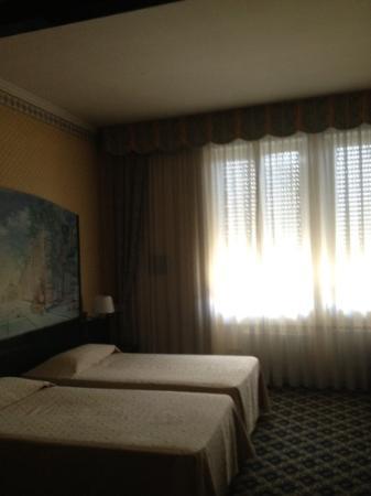 IH Hotels Milano Ambasciatori: Twin Room