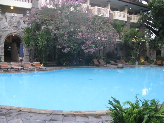 Hotel Kumala Pantai: Looking over pool at SG block