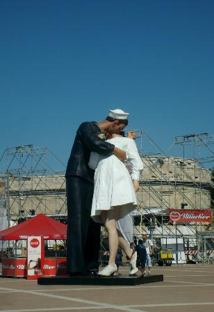 Civitatours: Monumento al marinaio