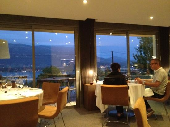 Atmospheres - Restaurant & Chambres: restaurant avec la vue sur lac