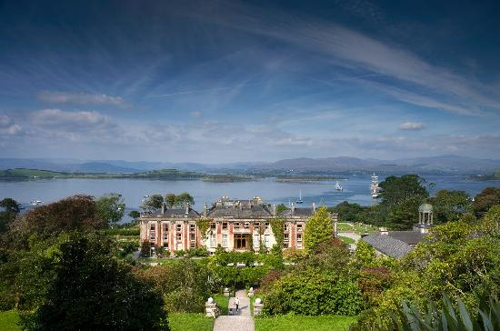 Bantry House B&B: View from the hundred steps overlooking Bantry Bay