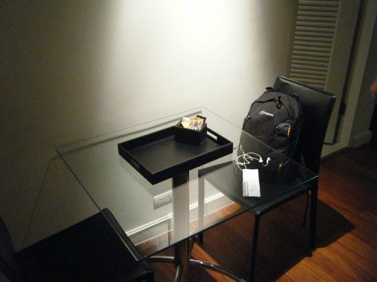 Phachara Suites: Table