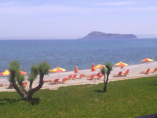 Silver Beach Hotel : Blick vom Balkon auf das Meer