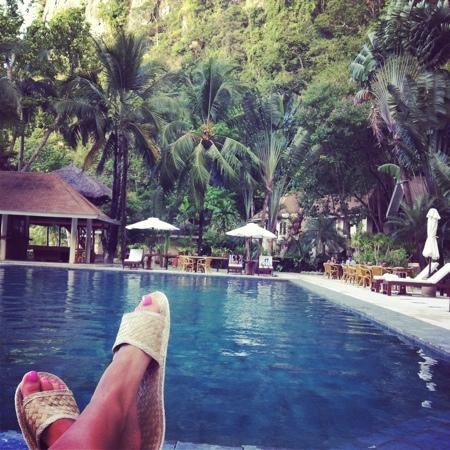 El Nido Resorts Lagen Island: отдых у бассейна