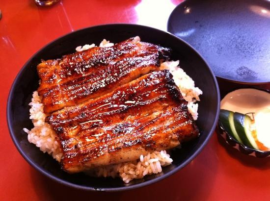 Mishima, Japón: うな丼
