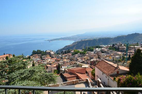 Villa Sara : taormina vista dalla camera