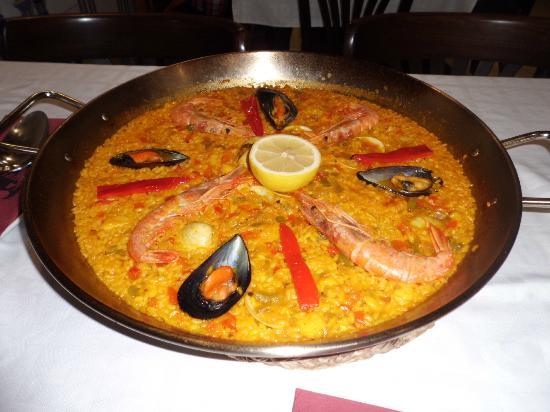 La Taurina: Paella appena arrivata..