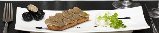 La Truffe Dans Tous Ses Etats: crostini à la truffe d'été