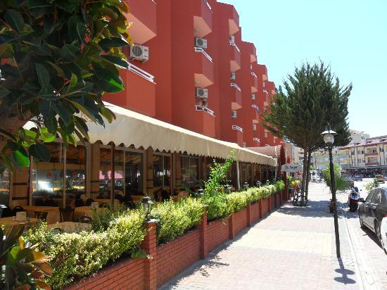 Acar Hotel: Das Hotel Aussenansicht