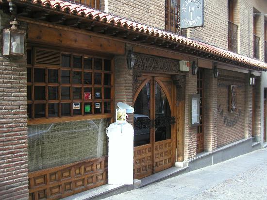 Restaurante Asador La Parrilla : la fachada del asador