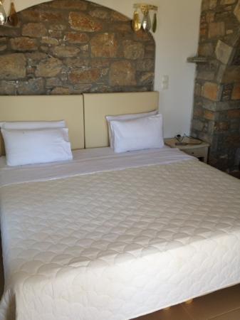Aquapetra Hotel: εσωτερικό δωματίου