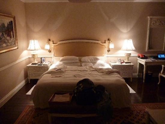 Raffles Beijing Hotel: huge room