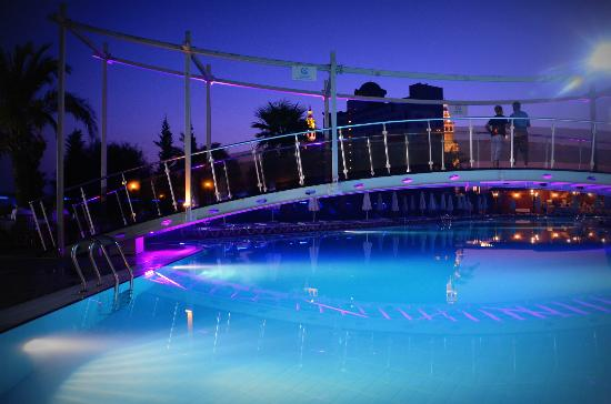 Saturn Palace Resort: relax pool at saturn palace