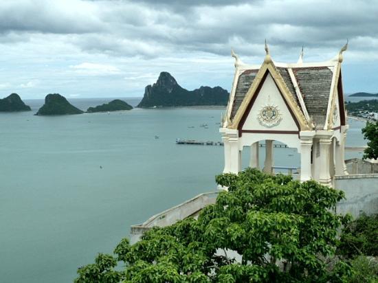 โรงแรมประจวบบีช: View from the temple
