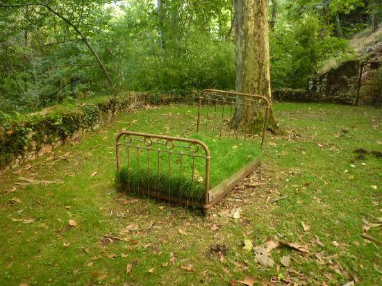 Forge de Montolieu : Un lit d'herbe pour la sieste ?