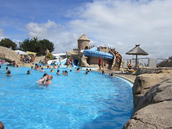 Pool area picture of camping acapulco saint jean de for Camping a la ferme vendee avec piscine