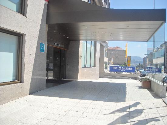 Tryp Vigo Los Galeones Hotel: EXTERIOR
