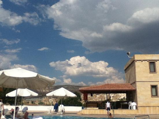 Ciner Hotel: vue de la piscine