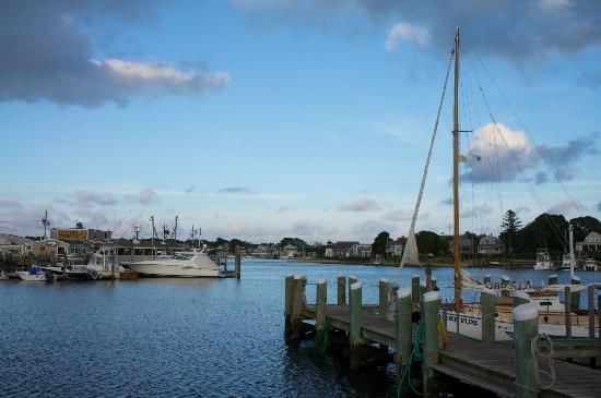 SeaCoast Inn: Hyannis port