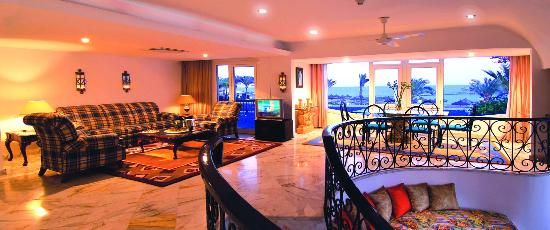 Baron Resort Sharm El Sheikh: Royal suite living area