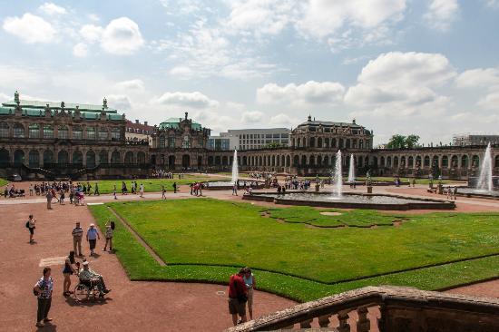 Цвингер: Zwinger gardens