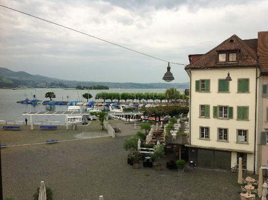 Hotel Hirschen: View of Lake of Geneva from the room