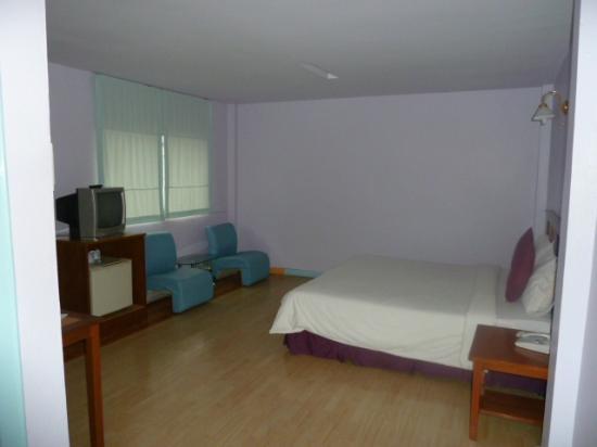 Sri Chumphon Hotel: Tidy & comfy
