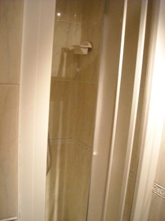Casa Hotel As Artes: baño - detalle ducha