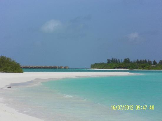 Kanuhura - Maldives: Vista dall'isola deserta 