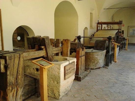 Fabriano, Italia: Macchine antiche