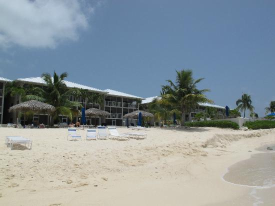 Discovery Point Club : View from the beach
