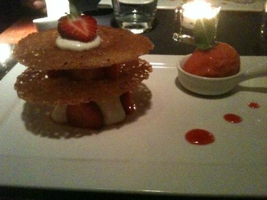 """Philip : Le dessert """"Mille feuilles à la fraise et son sorbet fraise basilic """""""