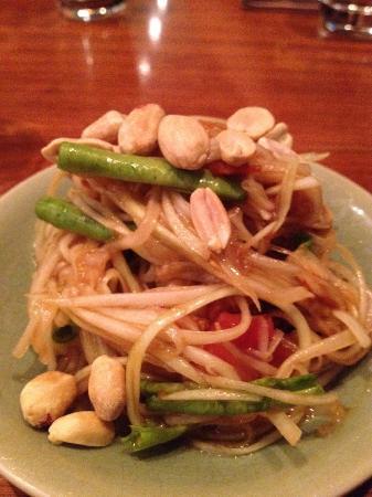 Isaan Thai Restaurant : Som Tum (papaya salad)