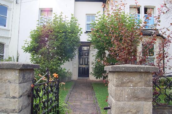 Hotel24seven Bristol: the 24/7 main entrance