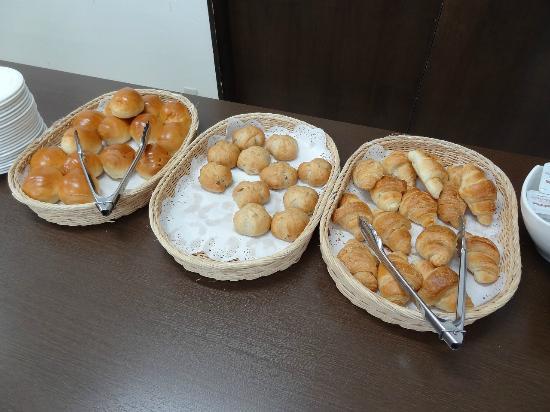 Sapporo Yayoi: パンは3種類
