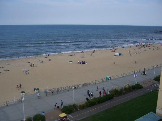 Travelodge Suites Virginia Beach Oceanfront: Balcony View