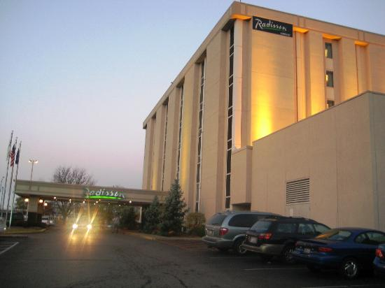 Lexington Hotel- Indianapolis Airport: Hotel