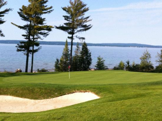 Bay Harbor Golf Club: 9th hole on Quarry