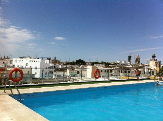 Coucher de soleil sur le toit picture of hotel don paco - Seville hotel piscine ...